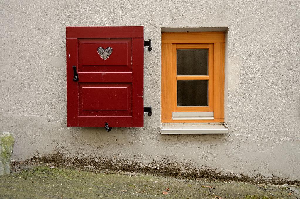 Fenster mit Herz, Kronberg, Germany